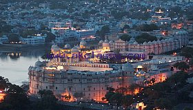 The best tour packages on tours to travel by Taxi in Jaipur