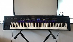Roland RD-700NX 88-key Digital Stage Piano with SuperNATURAL Weighted Keyboard