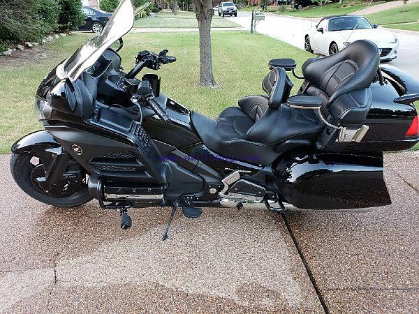 2014 honda gold wing excellent conditon